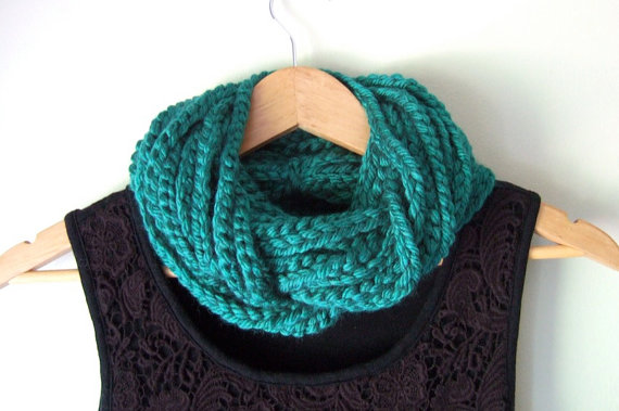 Emerald Chain Scarf by DottieQ