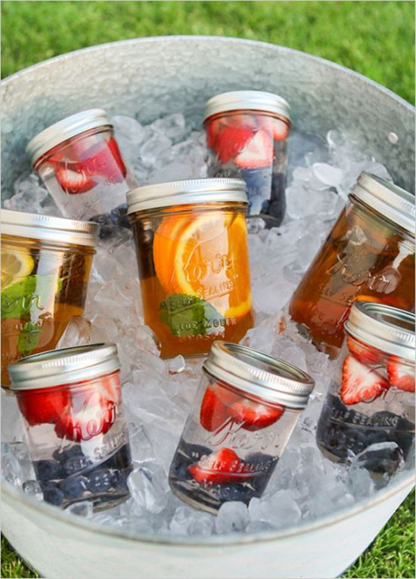 DIY Wedding Drinks in Mason Jars // Elegant Wedding Invites